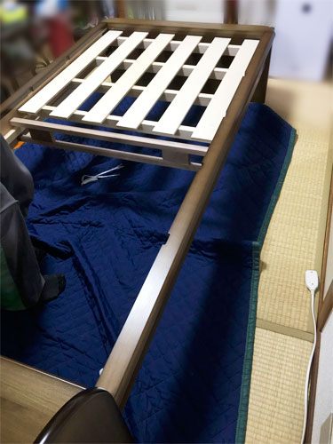 畳ベッドの組み立て